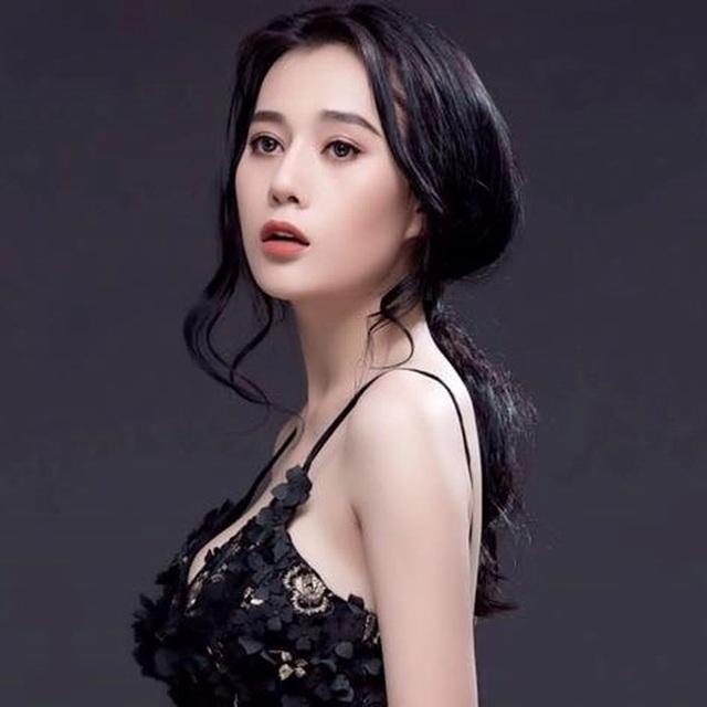 Là nữ diễn viên đảm nhiệm vai chính trong phim, Phương Oanh tâm sự từ khi nhận kịch bản cô đã phải làm công tác tư tưởng cho người thân trong gia đình và luôn sẵn sàng tâm lý để chuẩn bị đóng cảnh bị cưỡng hiếp, bạo hành. Tuy vậy, đến khi vào diễn cô vẫn bị choáng bởi sự tàn khốc xa hơn mức tưởng tượng.