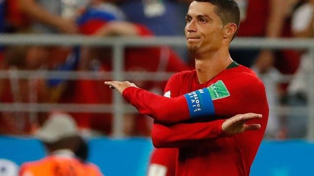 Nỗi thất vọng của Ronaldo sau khi đá hỏng phạt đền