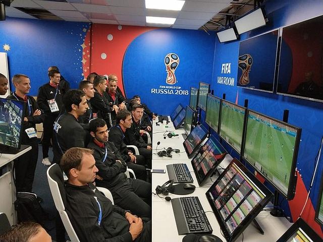 Các trọng tài VAR tại World Cup 2018 sẽ làm việc tại một trung tâm đặc biệt ở Moscow, thay vì có mặt trực tiếp tại sân đấu