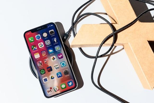 Một số thao tác đến từ việc loại bỏ nút Home khiến iPhone X trở nên khó sử dụng.