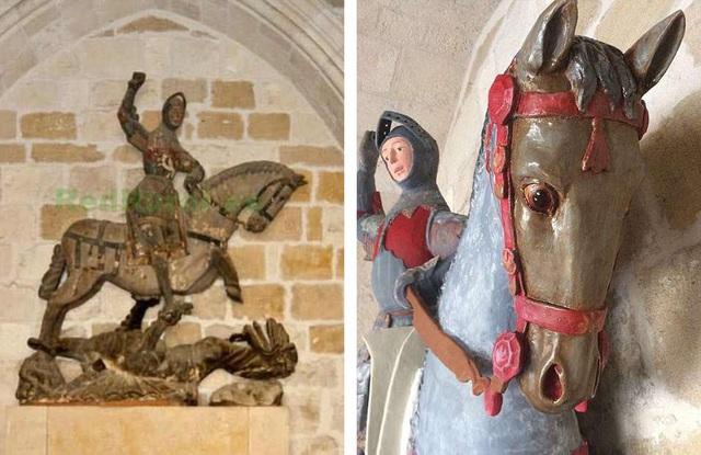 Trong 500 năm, bức tượng gỗ đã là chi tiết trang trí cho một nhà nguyện nằm trong thị trấn Estella (Tây Ban Nha).