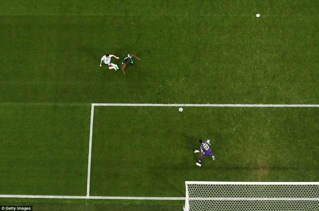 Khoảnh khắc lóe sáng của Messi trước Nigeria với pha ghi bàn đẳng cấp