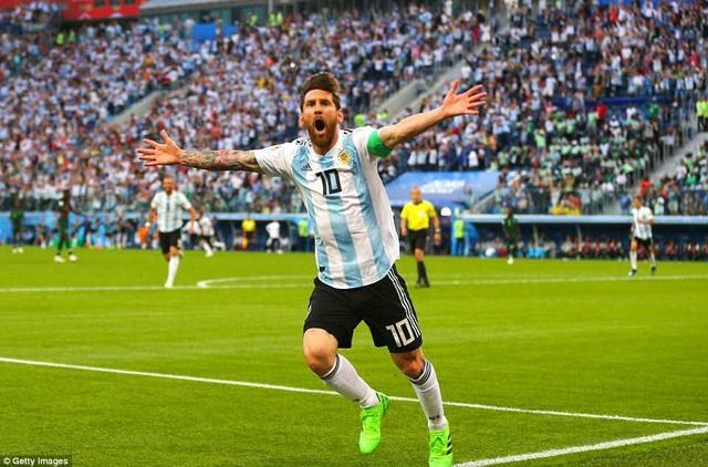 Messi ăn mừng bàn thắng mở tỷ số ở phút 14