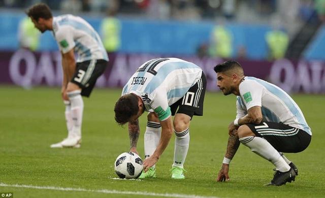 Messi làm tốt vai trò thủ lĩnh ở trận đấu này