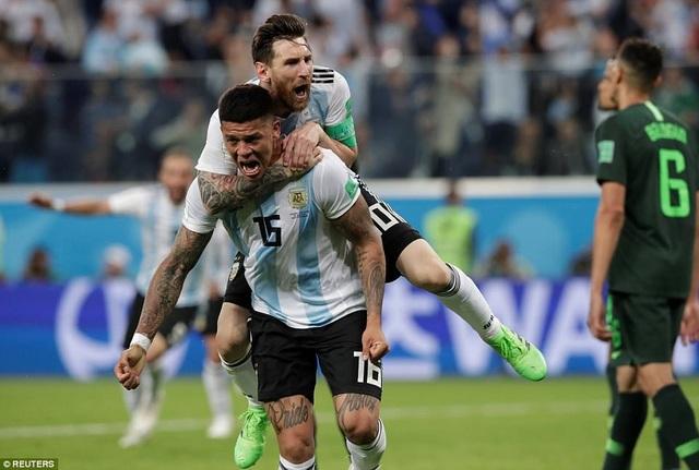 Argentina vượt qua cửa tử để tiến vào vòng 1/8 World Cup 2018