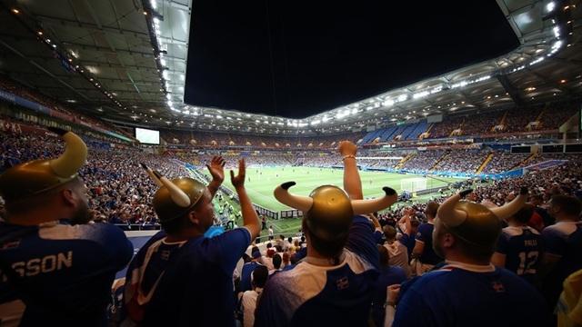 Khá đông cổ động viên Iceland tới Rostov để cổ vũ cho các cầu thủ