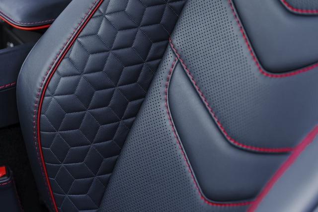 """DBS Superleggera - Sự """"trở lại"""" của Aston Martin - 9"""