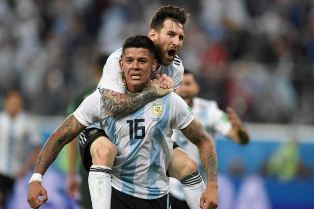 Rojo và Messi ăn mừng bàn thắng ấn định tỉ số 2-1