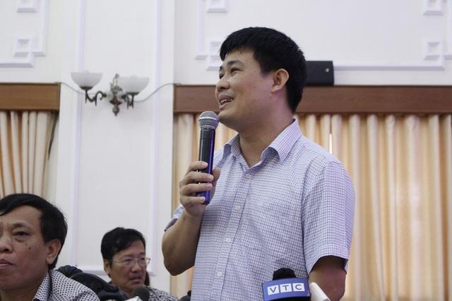 Ông Sái Công Hồng, Phó Cục trưởng Quản lý chất lượng – Bộ GD&ĐT giải thích các băn khoăn về đề thi THPT Quốc gia 2018 (Ảnh: Hà Cường).