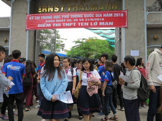 Thí sinh TPHCM hoàn thành kỳ thi THPT quốc gia năm 2018