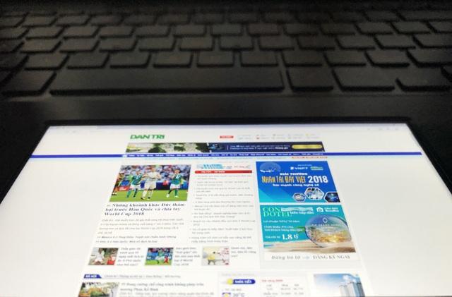 """Bên cạnh đó, ScreenPad cũng có thể đóng vai trò như một màn hình hiển thị độc lập với kích thước 5,5"""""""