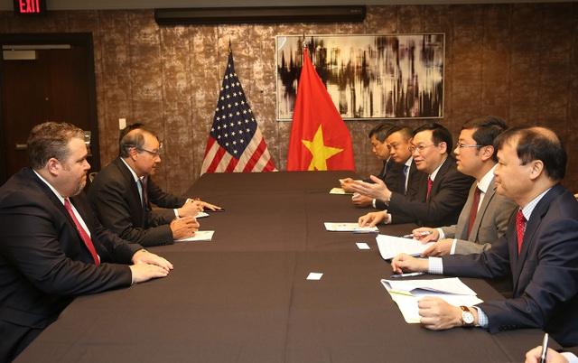 Phó Thủ tướng Vương Đình Huệ gặp gỡ lãnh đạo Tập đoàn AES