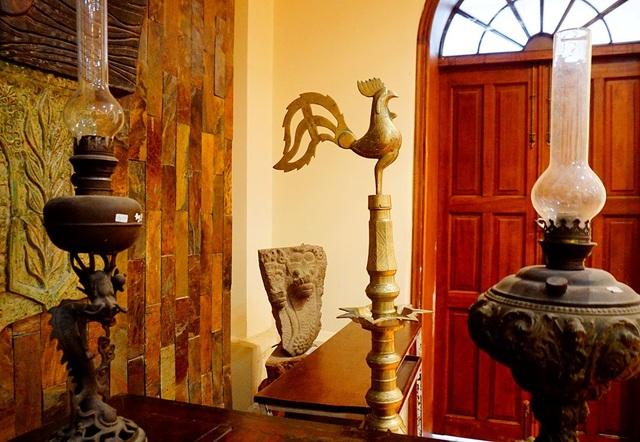 Chiếc đèn hình gà có xuất xứ từ châu Âu.