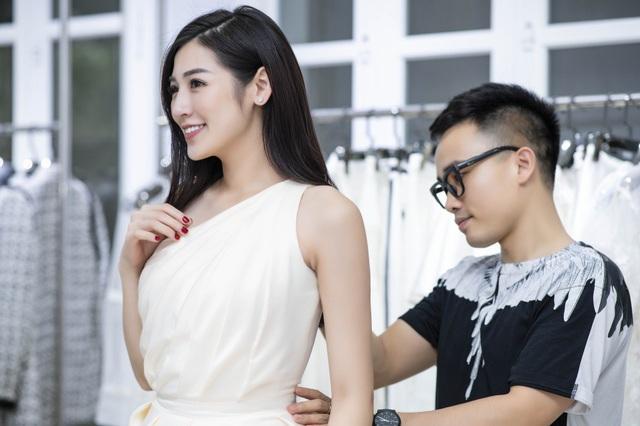 Được biết, sau khi kết hôn, Tú Anh sẽ tập trung chăm lo cho gia đình và giảm bớt tần suất tham gia các hoạt động của showbiz.