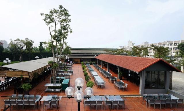 Không gian rộng 5.500m2 bằng với diện tích một sân bóng đá của Trâu Ngon Quán Cơ sở 2 trên đường Tố Hữu, Hà Đông