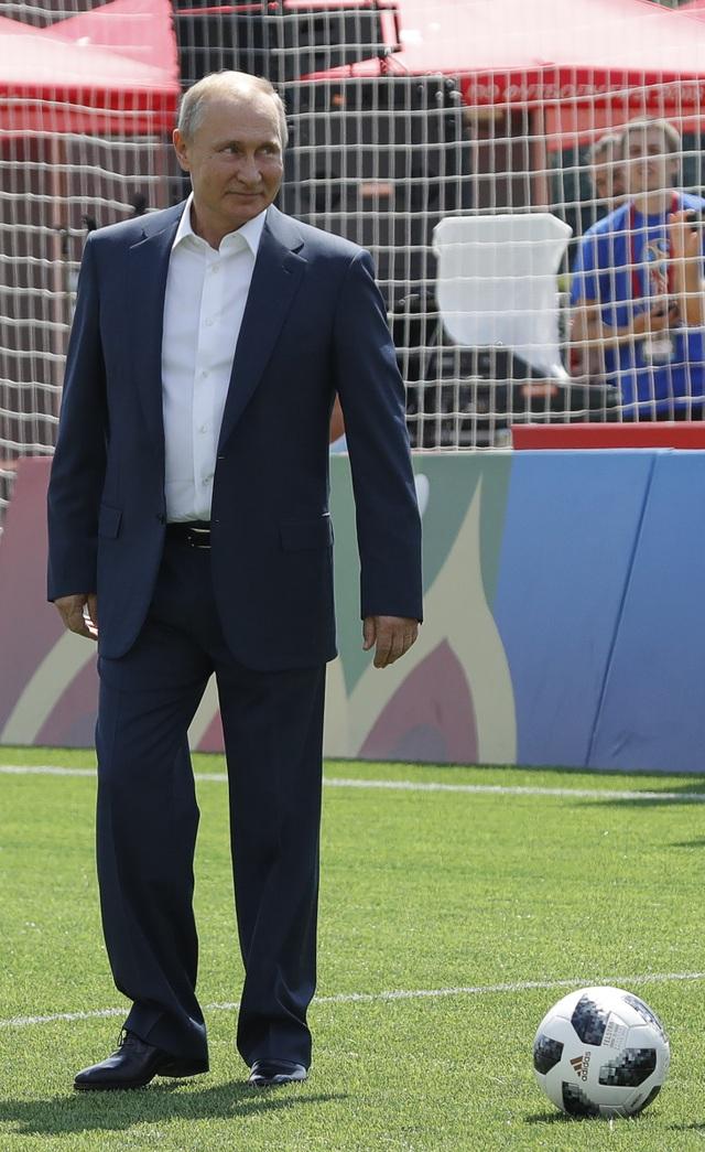 Tổng thống Putin là nhà lãnh đạo đam mê thể thao. Ông có khả năng chơi tốt nhiều môn thể thao như võ thuật, bơi lội, khúc côn cầu...