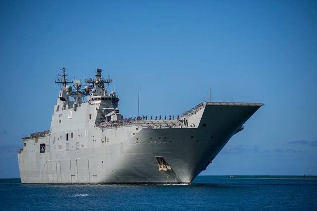 Tàu HMAS Adelaide (L01) của Australia