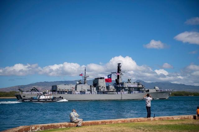 Tàu CNS Almirante Lynch (FF-07) của Chile