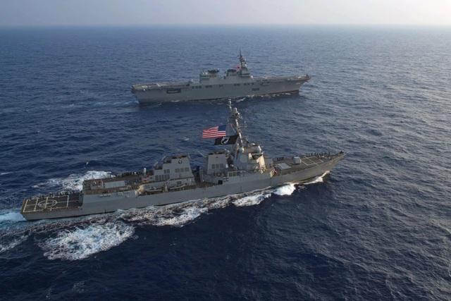 Tàu JS Ise (DDH-182) và USS William P. Lawrence (DDG-110) của Mỹ và Nhật Bản