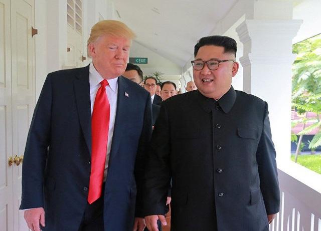 Tổng thống Donald Trump và nhà lãnh đạo Kim Jong-un gặp nhau tại Singapore hồi tháng 6 (Ảnh: Reuters)