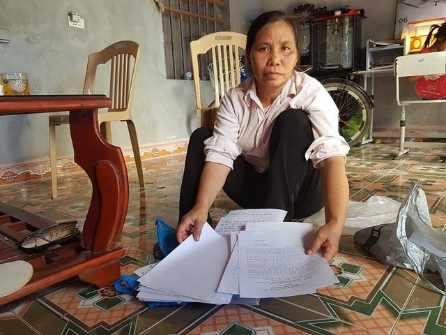 Bà Inh cùng mẹ là vợ liệt sỹ gửi đến khiếu nại đến nhiều nơi nhưng đến nay vẫn chưa nhận được câu trả lời thỏa đáng.