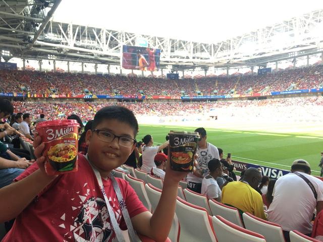 Fan bóng đá nhí Việt tại sân vận động Spartak, Moskva trong trận Bỉ gặp Tunisia 23/06/2018.(Ảnh: Minh Hải)