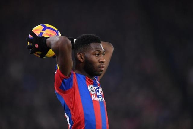 Valencia muốn mượn lại Timothy Fosu-Mensah