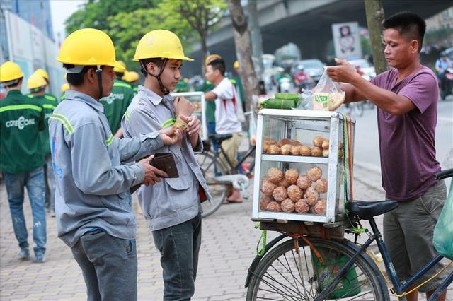 Bữa sáng của công nhân xây dựng - 3