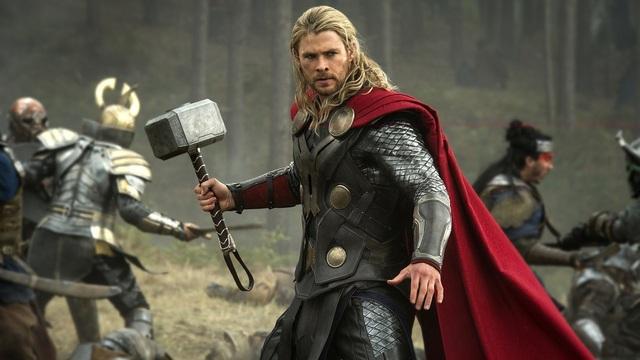 Chris Hemsworth với tạo hình Thần Sấm trong bộ phim cùng tên.