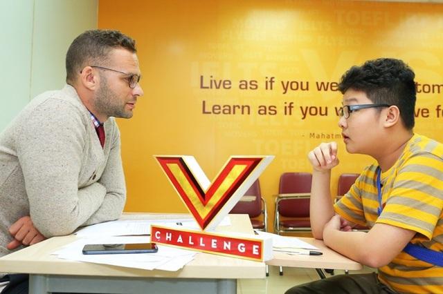 Các thí sinh phải thuyết phục giám khảo bằng kỹ năng lẫn hiểu biết trong phần thi vấn đáp của mình.