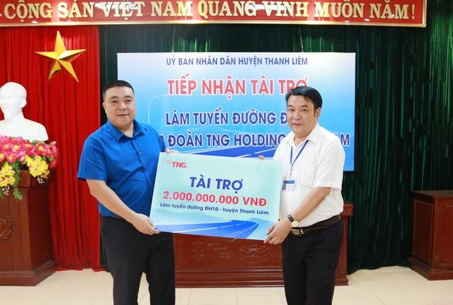 TNG Holdings Việt Nam tài trợ làm đường nông thôn tại Hà Nam - 1