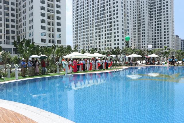 Khu bể bơi hiện đại là một trong những điểm nhấn ấn tượng của An Bình City