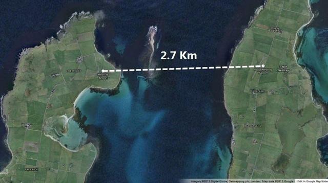 Hai hòn đảo thuộc Westray và Papa Westray cách nhau đúng 3 km (Ảnh: Google)