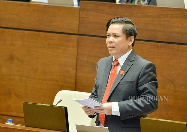 Bộ trưởng GTVT Nguyễn Văn Thể trả lời trước Quốc hội sáng nay
