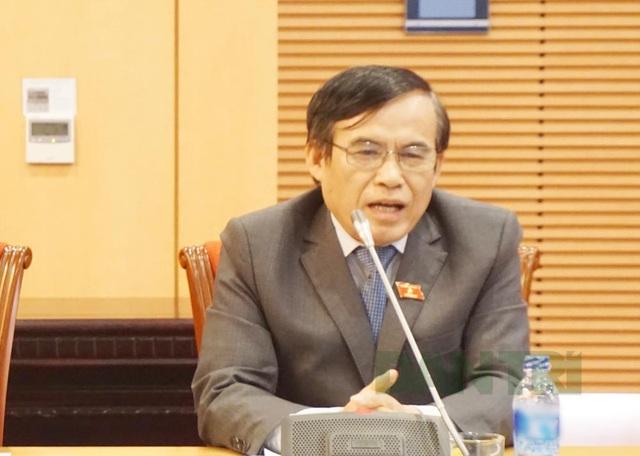 Ông Phùng Văn Hùng.