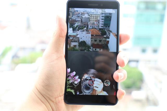 Dual Sight áp dụng cả cho tất cả các tính năng quay phim/ chụp ảnh / livestream.