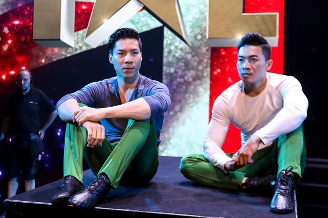 Hình ảnh hai chàng trai giản dị này vẫn khiến khán giả Việt Nam vẫn vô cùng hào hứng và tự hào vì hai anh đã làm được trên đấu trường thế giới.