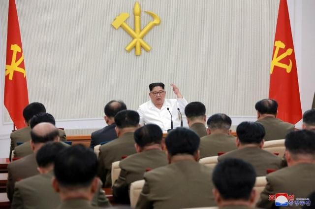 Nhà lãnh đạo Triều Tiên Kim Jong-un phát biểu tại một cuộc họp của Ủy ban quân ủy trung ương Đảng Lao động Triều Tiên. (Ảnh: Reuters)