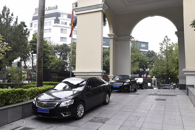 Sĩ quan cấp Thiếu tướng đến Thượng tướng được dùng xe công 800 triệu đến 1,1 tỷ đồng - 1