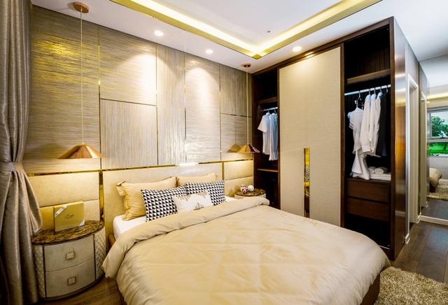 Phòng ngủ master của căn hộ có diện tích từ 94 – 95m2 được bố trí sang trọng