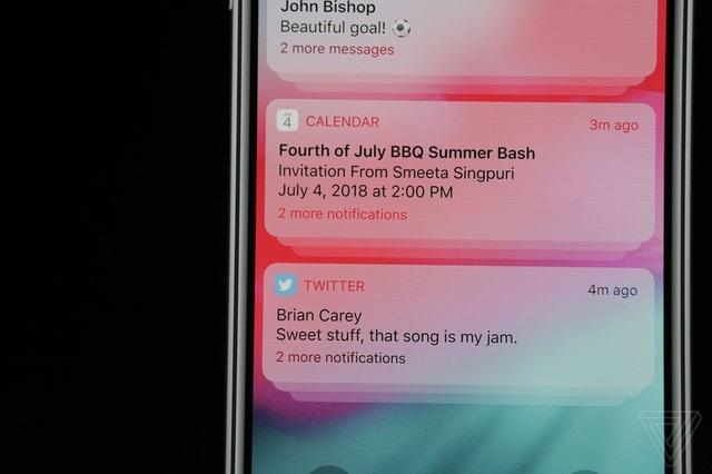 iOS 12 cho phép nhóm thông báo của các ứng dụng vào chung một nhóm để có thể xử lý một lúc