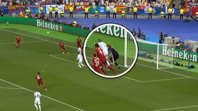 Ramos chơi tiểu xảo khiến Karius chị chấn động não