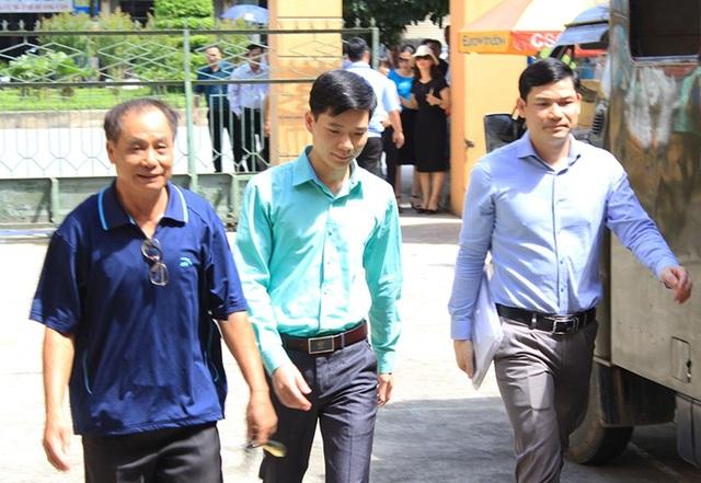 3 bị cáo được đưa đến phiên xử chiều nay