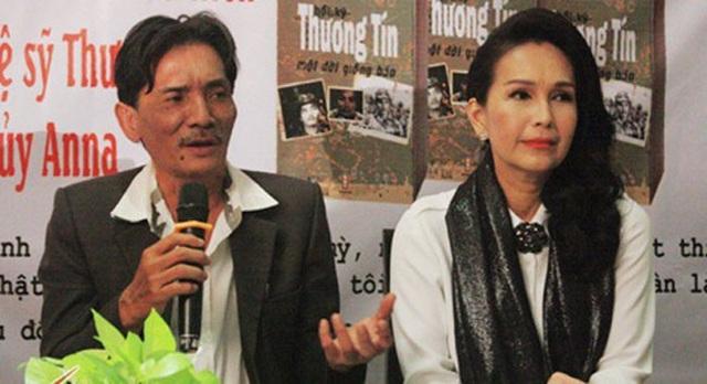 Nam diễn viên Thương Tín bị ném đá sau khi công bố tự truyện.