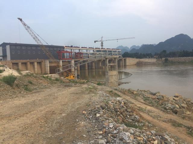Dự án thủy điện Cẩm Thủy 1 chậm tiến độ do nhiều hộ dân không chịu di dời.