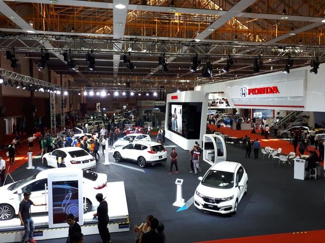 Malaysia có 3 tháng mua ô tô miễn thuế, giá rẻ - 1