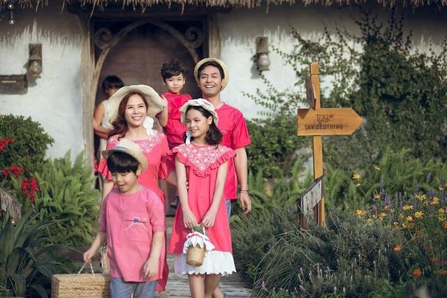 Gia đình hạnh phúc của MC Phan Anh