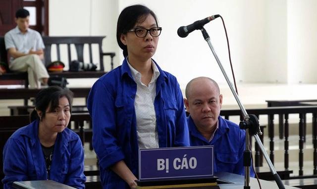 Bị cáo Thái Kiều Hương trả lời HĐXX.