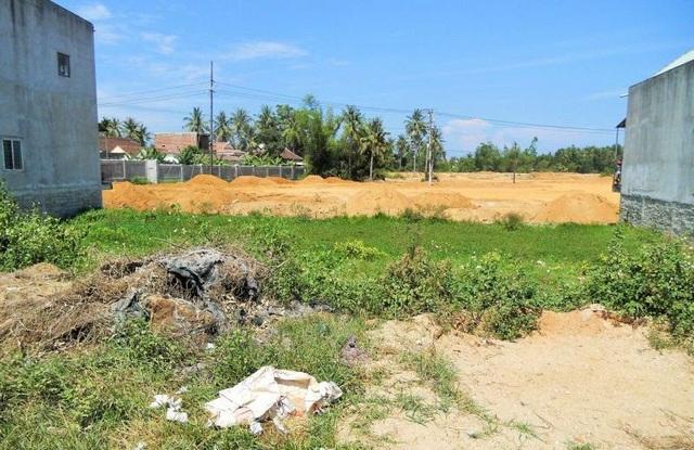 Lô đất số 01, 02 thuộc tờ bản đồ số 44 bị UBND thị trấn Phù Mỹ làm sai lệch vị trí trong hồ sơ xin giao đất.