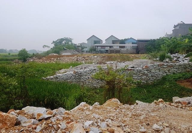 Đã có hàng chục lô đất dưới sông Hoạt được cấp giấy chứng nhận quyền sử dụng đất